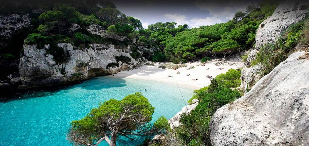 Macarelleta-Menorca-1900x900-deg